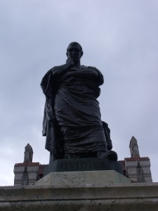 Monumento a Ovidio en la Plaza Ovidio